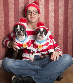 Can anyone find which one is Waldo? Check out these two Boston Terriers Dressed up Like Waldo to match their dads! French Bulldog Halloween Costumes, Baby Halloween Costumes, Halloween Ideas, Boston Terrier Love, Boston Terriers, I Love Dogs, Puppy Love, Dog Treat Jar, Wheres Waldo