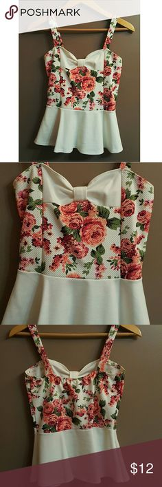 Floral peplum tank Not sure of size but will fit small/medium Tops Tank Tops