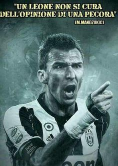Foto Juventus Fc, Football, Sports, Fictional Characters, Iphone, Lady, Top, Soccer, Hs Sports
