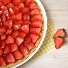 Erdbeertarte mit weißer Schokocrème | deli