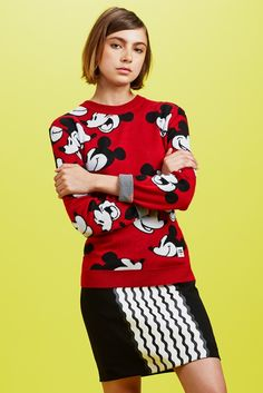 Opening Ceremony x Mickey Mouse : la collection capsule cool de l'été 2014 Anna Dello Russo, Miley Cyrus, Vanity Fair, Mickey Mouse Outfit, Minnie Mouse, Fashion Graphic, Fashion Design, Fast Fashion, Womens Fashion