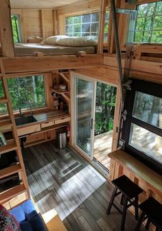Adorable 80 amazing loft stairs for small house ideas - Diyideasdecoration.clubAdorable 80 amazing loft stairs for small house ideas delightful amazing house ideas small stairsFrench farmhouse terrace with bistro table Tiny House Loft, Tiny House Living, Tiny House Plans, Tiny Loft, Tiny Tiny, Tiny House Bedroom, Bus Living, Duplex House, Tiny House Family
