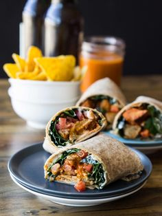 Buffalo [NO] Chicken Wraps #vegan // veggieandthebeastfeast.com