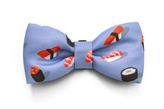 """Our dog bow ties are the best option for those """"James Bond moments"""" where your dog needs to be a Sir (or a Lady). Made of soft polyester on the front, it has a discrete elastic band on the back which the collar slides through seamlessly and attaches easily to the collar. Slide it to the front to use as a dog bow tie or on the sides and on the back as a dog lace."""