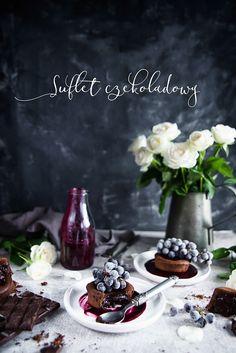 picante-jalapeno.blogspot.com: Suflet czekoladowy (lava cake) z sosem z winogrona My Recipes, Lava, Pudding, Sweets, Table Decorations, Desserts, Breads, Cakes, Drinks