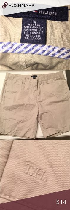 Tommy Hilfiger Khaki Shorts 100% Cotton great Length Tan colored very good quality.  Lots of pockets.  Pre-owned very good Shape.  Size 14 Women's plan your Summer Wardrobe now!!! Bundle to get an extra discount.  Tommy Hilfiger great brand! Tommy Hilfiger Shorts Cargos
