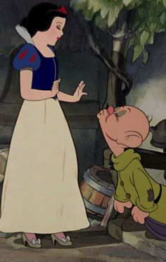 Snow White and Dopey / Disney🍎 Disney Pixar, Walt Disney, Disney Animation, Retro Disney, Disney Cartoons, Vintage Disney, Disney Magic, Disney Art, Disney Princess Pictures