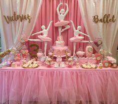 "1,089 Me gusta, 18 comentarios - Arpy (@chocolate_favors_pops) en Instagram: ""Victoria's ballerina party Event styling @racheljspecialevents #cake #cakepops #cakepopping…"""