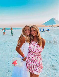 Best Friend Pictures, Friend Photos, Preppy Outfits, Preppy Style, Beach Best Friends, Best Friend Goals, My Vibe, Partners In Crime, Dream Life