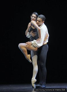 Polina Semionova and Ibrahim Önal in Roland Petit's Carmen during the Staatsballet Berlin Ballet gala 2011. Photo by Bettina Stöß
