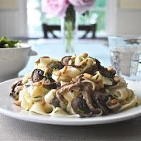 Pasta with goat cheese, mushrooms and pine nuts