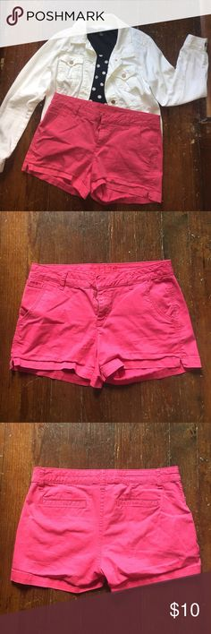 Hot pink chino shorts Good used condition hot pink shorts from a Kohl's brand. Shorts Cargos