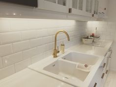 Antica White tiles and faucets in gold. White Tiles, Faucets, Alcove, Bathtub, Bathroom, Kitchen, Gold, Bath Tube, Cucina