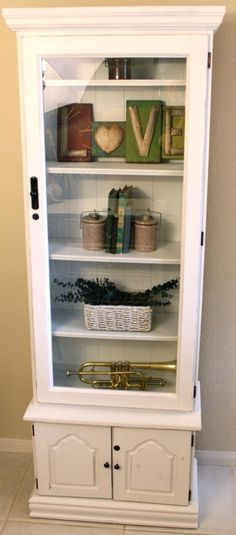 Repurposed Gun Cabinet -I can't wait to do this! Refurbished Furniture, Paint Furniture, Repurposed Furniture, Furniture Projects, Furniture Making, Furniture Makeover, Diy Projects, Pallet Projects, Refurbished Cabinets