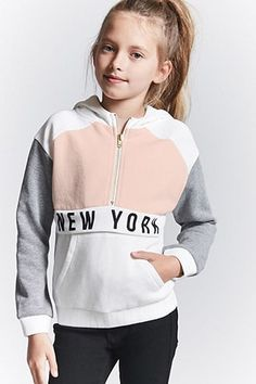 Shop Girls' Sweatshirts & Hoodies at Forever 21 and never miss a fashion beat. Explore our cozy selection of sweatshirts, hoodies & pullovers in unique styles. Winter Outfit For Teen Girls, Teenage Girl Outfits, Cute Girl Outfits, Kids Outfits Girls, Tween Girls, Tween Fashion, Moda Fashion, Latest Fashion Clothes, Girl Fashion