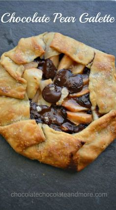 Fresh pears, dark chocolate and Nielsen-Massey chocolate extract combine for a… Pear Dessert, Dessert Recipes, Brunch Recipes, Chocolate Extract, Chocolate Chocolate, Crostata Recipe, Galette Recipe, Caramel Apple Bites, Chocolate Covered Apples