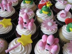 Pink Princess Birthday Cupcakes - maybe I should make these for a special someone's upcoming birthday? Fairy Cupcakes, Themed Cupcakes, Cakepops, Princess Birthday Cupcakes, Princess Party, Pink Princess, Mini Cakes, Cupcake Cakes, Cup Cakes