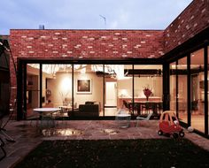Sun Friendly L-Shaped Extension Keeps Owners Warm in Chilly Ballarat