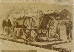 Boer War pair of photos Long Tom cannon damaged Ladysmith & Free state artillery Free State, Cannon, War, History, Photos, Image, Soldiers, Historia, Pictures