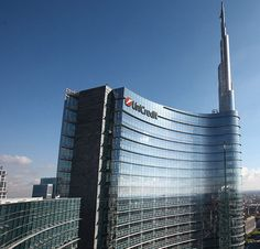 Il Qatar riorganizza sul lato finanziario gli investimenti a Milano