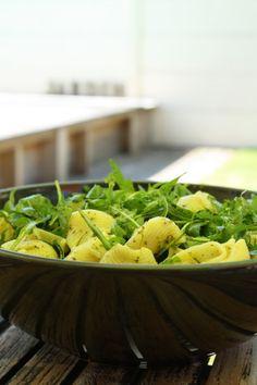 Pâtes au pesto de roquette & pistaches salades composees 29 feculents et cereales