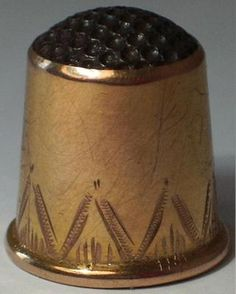 Vintage Scandinavian 9ct Gold Steel Top Thimble | eBay Sewing Box, Sewing Tools, Sewing Notions, Couture Sewing, Pincushions, Haberdashery, Needle And Thread, Vintage Sewing, Scandinavian