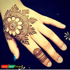 Let we start from simple too complex to make it easy to choose the best simple henna design for backhand.  http://www.latesthennadesigns.com/2017/07/20-best-backhand-mehndi-designs.html  #henna  #hennaart  #hennaforlove  #mehndi  #mehndidesigns  #mehndiart