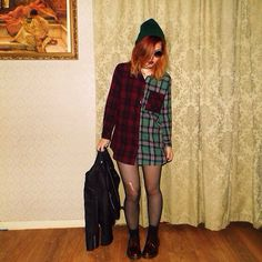 Love this plaid shirt as a dress - got the grunge going on x 90s Fashion Grunge, Hipster Fashion, Fall Fashion, Skirt Fashion, Fashion Outfits, Casual Outfits, Cute Outfits, Casual Hairstyles, Alternative Fashion