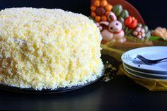 Torta mimosa all'ananas Vanilla Cake, Desserts, Food, Tailgate Desserts, Meal, Dessert, Eten, Meals, Deserts