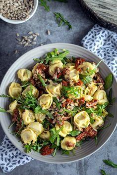 Tortellini, Vegetable Salad, Vegetable Dishes, Healthy Salad Recipes, Vegetarian Recipes, Grilling Recipes, Food To Make, Meal Prep, Food Porn