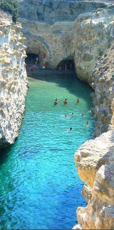 #Hidden #Beach in #Greece http://en.directrooms.com/hotels/country/2-55/