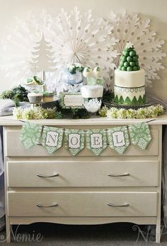 Little Big Company blog show us your Christmas Creativity Competition Christmas table by Naatje Patisserie Cakes and Cupcakes and Nomie Stationery
