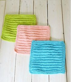 Easy Farmhouse Kitchen Dishcloths   This dishcloth knitting pattern is easy and perfect for beginners.