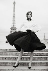 Full skirts seem to have fallen by the wayside in mainstream fashion, but just look how fabulous they are!