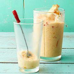 Pfirsichkuchen-Shake - Yummy Dessert Recipes Puddings and Other - Torten Cold Desserts, Ice Cream Desserts, Frozen Desserts, Delicious Desserts, Dessert Recipes, Frozen Treats, Drink Recipes, Frozen Pies, Baking Desserts