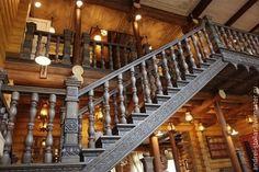 Деревянная лестница с элементами резьбы (6)