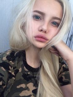 Discover and share the most beautiful images from around the world Pretty blonde girl Pretty People, Beautiful People, Pretty Blonde Girls, Color Rubio, Big Blue Eyes, Big Eyes, Most Beautiful Images, Pale Skin, Grunge Hair