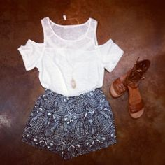 #ootd: This entire look from Gentle Fawn! Cutout shoulder top, & Etoile shorts paired with DV Dolce Vita Daffodil sandals! #shophouseofsage www.houseofsage.com www.facebook.com/shophouseofsage