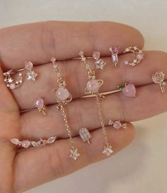 Hand Jewelry, Dainty Jewelry, Simple Jewelry, Cute Jewelry, Jewelry Accessories, Stylish Jewelry, Fashion Jewelry, Pretty Ear Piercings, Magical Jewelry