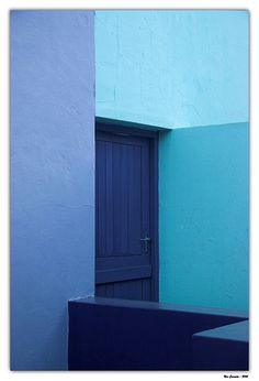 Shades of Blue Pantone Blue, Colour Architecture, Blue Pill, Blue Colour Palette, Color Me Beautiful, Purple Walls, Blue Wood, Monochrom, Wes Anderson