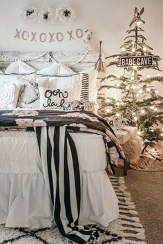 Pink Black and White Beddys Christmas Girls Bedroom