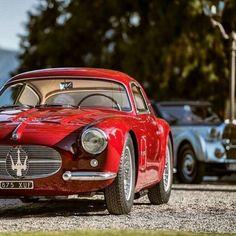 Road Sports Cars - Maserati Zagato, only 20 made. Vintage Sports Cars, Classic Sports Cars, Vintage Cars, Classic Cars, Maserati Quattroporte Gts, Maserati Alfieri, Maserati Car, Ferrari, Auto Retro
