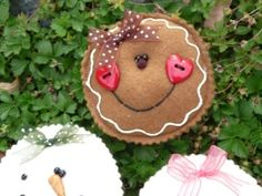 Items similar to PDF Digital Sewing Pattern - Yummy Cookie ornaments on Etsy Gingerbread Ornaments, Gingerbread Decorations, Christmas Ornament Crafts, Christmas Gingerbread, Felt Ornaments, Christmas Projects, Holiday Crafts, Christmas Decorations, Homemade Christmas