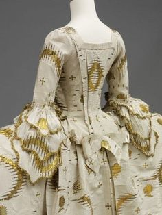 Mantua,  English from French fabric, 1755-1760 from fabric woven between 1753-1755, Silk, silver-gilt thread, linen thread, silk thread, hand-sewn, V