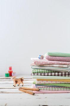 色とりどりのかわいい定番柄の布で、ハンドメイドを楽しみましょう。/水玉しましまチェックの布雑貨(「はんど&はあと」2013年5月号)