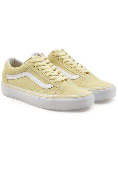 VANS OLD SKOOL SUEDE SNEAKERS. #vans #shoes #