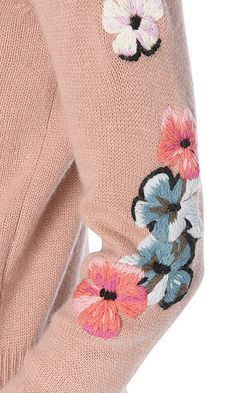 Embroidered pullover | marc-cain.com/en