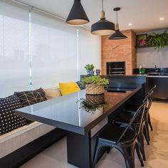 Quando a varanda é uma área de lazer completa e cheia de estilo. Small Apartment Interior, Small Space Interior Design, Kitchen Interior, Interior Design Living Room, Kitchen Nook Table, Kitchen Dining, Kitchen Decor, Dinner Room, Home Furniture