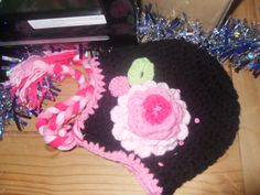 Crochet flower hat with sequins