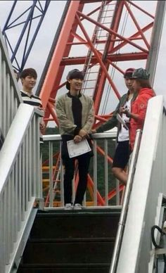 SBS Roommates | Bungee jumping with the Roommates!Congrats for having the certificates.